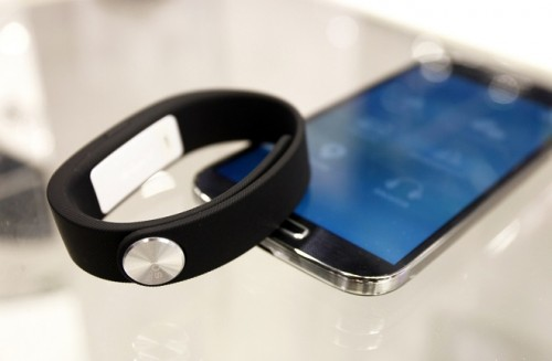 צמיד ה-SmartBand של סוני