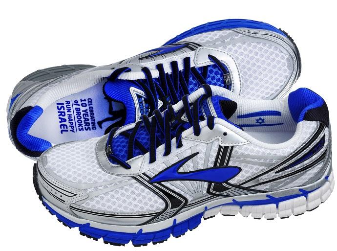 נעלי Adrenaline GTS 14 צילום: איל קרן.