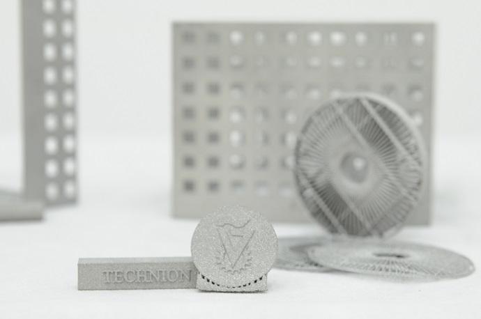 2.מוצרים שהודפסו במדפסת החדשה.